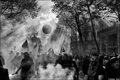 Protest in Paris (2012, May 1st) (philippe b photography) Tags: paris france ledefrance protest streetphotography demonstration demonstrators manifestation 2012 gauche may1st 1ermai syndicats manifestant photographiederue leicam9