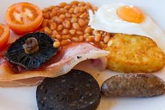 The Udder (misterpulcri) Tags: mushroom bacon beans egg sausage dorset hashbrown blackpudding eaststour uddercoffeeshop