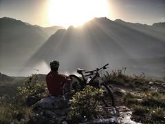 Leben intensiv spren (Peter Schlickenrieder) Tags: bike project sonnenuntergang mountainbike rudy peter cube alpen trentino rudyproject garmin dolomiten odlo schlickenrieder mountainundgardabike
