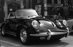 Porsche 356 (Coffee and Classics) (Fogel's Focus (fueled by coffee)) Tags: 50mm f14 wheels olympus 150 rodinal zuiko classiccars 20c fomapan100 agfarodinal om1n 7min fomafomapan film:iso=100 film:brand=foma developer:brand=agfa developer:name=agfarodinal film:name=fomafomapan100 filmdev:recipe=6346 fuelfed coffeeandclassics