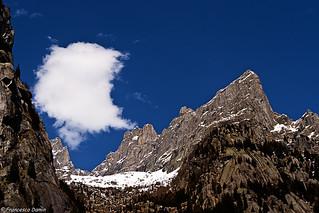 Montagna e nuvola