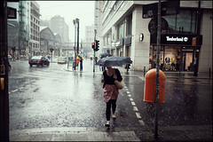 Rainy Day #VII (Alexander Rentsch) Tags: street city people urban berlin public rain umbrella germany deutschland trafficlight bokeh raindrops garbagecan ampel mlleimer regen dustbin regenschirm regentropfen strase friedrichstrase canonef35mmf14lusm canoneos5dmarkii