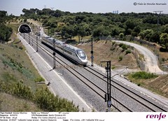RENFE - Avant 114.010  Valladolid CG - Madrid Chamartn (Hawnuyu) Tags: madrid valladolid avant campogrande 114 renfe lav pelicano trescantos altavelocidad chamartn 114010 madridchamartn hawnuyu