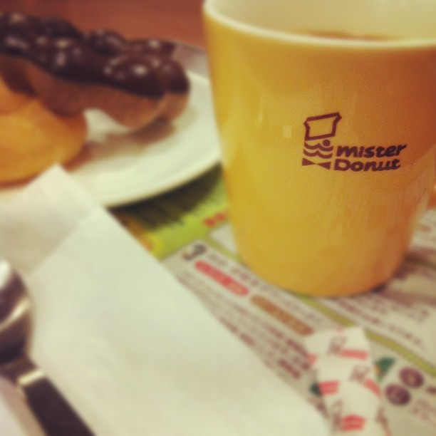またミスドでノマドなう! http://instagr.am/p/LAGrvqmO3K/