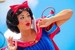 Snow White (abelle2) Tags: princess disney disneyworld wdw waltdisneyworld snowwhite magickingdom disneyprincess snowwhiteandthesevendwarfs princesssnowwhite dreamalongwithmickey dreamalong