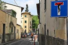 Florence (michael_hamburg69) Tags: italien italy streetart sign graffiti florence sticker italia schild tuscany firenze toscane crucifixion aufkleber florenz toskana verkehrsschild cartellostradale crocifissione kreuzigung sackgasse crocefissione
