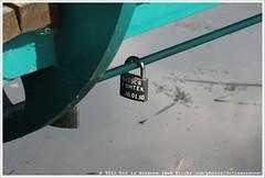 +  30.01.10 | Natusya + Vityok 30.01.10 (Dit is Suzanne) Tags: 2005 wood sculpture art bronze russia steel kunst sculptuur padlock kremlin hout rusland brons  dmitrov img1431    staal   hangslot  moskovskayaoblast views300    ditissuzanne canoneos40d moscowprovince canonef35135mm14056 02062010 aleksanderrukavishnikov    bridgeoffortune 300110 natusyavityok300110