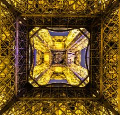 Tour Eiffel (lecointelaetitia) Tags: toureiffel paris nuit europe france grandangle wideangle night lumires lights architecture longexposure expositionlongue