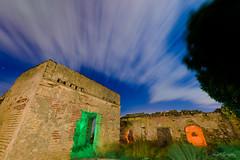 Guerra de colores!!Casa del Hornillo, (Sanlucar de Barrameda, Cdiz). (jangel125) Tags: longexposure lightpainting nubes nocturna sanlucardebarrameda largaexposicin maglite3d ledlenserp7qc nikond750 tamron1530mm