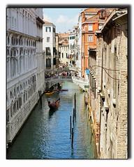Rio de San Zulan (seagr112) Tags: bridge venice italy river europe bridgeofsighs venezia pontedeisospiri gondolier gondolas dogespalace sonya6000 riodesanzulan