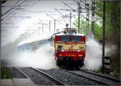 Saurashtra Express Enjoying Heavy Rain !! (PrathzRailLover) Tags: india rain monsoon maharashtra showers lc indianrailways heavyrains westernrailway irfca vapivirarshuttle umroli wag5p blwag5p