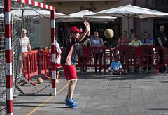 268/365 (Susana RC) Tags: streetphotography deporte 365 granollers handbol portero balonmano baln cup2016