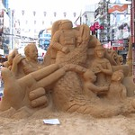 "Sand Sculpture at Songkran <a style=""margin-left:10px; font-size:0.8em;"" href=""http://www.flickr.com/photos/14315427@N00/7076564899/"" target=""_blank"">@flickr</a>"