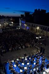 Orquesta de Extremadura (Orquesta de Extremadura) Tags: concierto director msica msicos orquesta airelibre espectculo msicaclsica orquestasinfnica orquestadeextremadura lorenzoramos conciertoextraordinario