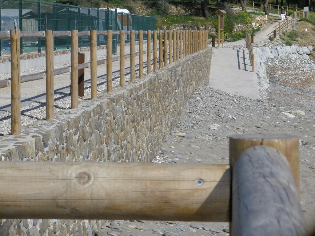 Vallas de madera tratada affordable cercados con postes for Vallas jardin ikea
