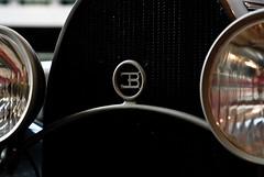Elegantly Breathtaking - Autoworld, Brussels (Janicskovsky) Tags: brussels holiday slr cars lamp museum vintage logo french nikon vintagecar belgium bruxelles oldschool grill company badge belgian desaturated headlight headlamp dslr bugatti flemish wetstraat cinquantenaire jubelpark ruedelaloi parcducinquantenaire eb vintagecars francais flanders desaturate autoworld automotives jubileepark d80 nikond80 ettorebugatti cinquantenairemuseum jubileeparkmuseum