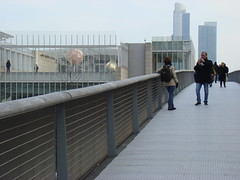 a bridge at millennium park (Minh-Chau Doan) Tags: street chicago candid sony h9
