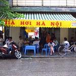 "Bia Hoi Ha Noi <a style=""margin-left:10px; font-size:0.8em;"" href=""http://www.flickr.com/photos/14315427@N00/7287759362/"" target=""_blank"">@flickr</a>"