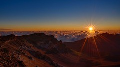Sunrise at the summit of Haleakala, Maui (celebrityabc) Tags: cats sexy love girl smart drunk cat walking fun hawaii hilarious ally funny stream with random walk space vlog maui science highlights tricks twitch galaxy crew gamer believe howto tips advice peep through wish peeps universe lahaina pcgamer facts walkthrough goldglove twerk girlgamer 2mg twitchtv videoblogindustry streamhighlights allyasslick peepcrew talkingwithally