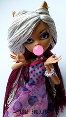 Clawdeen - Bubblegum Wolf (Pyrefly Projects) Tags: thread monster high wolf doll embroidery projects custom reroot rehair restyle pyrefly clawdeen kizrianah