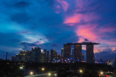 Pink Dusk (elenaleong) Tags: singapore cityscape nightscape silhouettes financialdistrict pinkclouds mbs marinabarrage