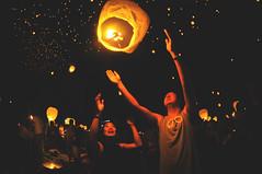 Let Loose (_jonchinn) Tags: light sky people love philadelphia beautiful festival night stars fire glow candle pennsylvania go crowd it pa event romantic lantern lit fest let breathtaking tangled mohnton