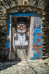 Happy weekend! (alexhaeusler) Tags: door graffiti spain funny painted cadaques