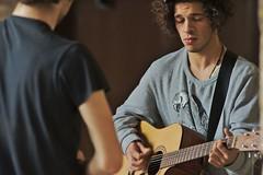Viktor y Kader (Jesus Castaeda del Moral) Tags: viktor calle guitarra bilbao violin musicos kader