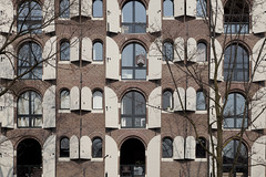 Brouwersgracht (2) (Peter Kok) Tags: windows tree window amsterdam architecture arch arches facades brouwersgracht arched mygearandme