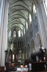 The choir of Notre Dame (DameBoudicca) Tags: france church choir frankreich cathedral roman gothic kathedrale catedral iglesia kirche medieval ceiling notredame chiesa cathdrale decke normandie vault romanesque normandy francia glise middleages gothique chor tak bayeux volta techo kor gotik kyrka medioevo plafond cattedrale frankrike gotico coro valv moyenge romnico mittelalter vote gewlbe gtico bveda romanik katedral romanica soffito edadmedia medeltiden innertak chur romansk