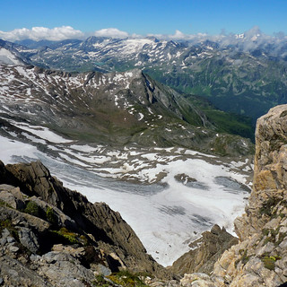 The Kitzsteinhorn surrounded by the highest peaks in Austria