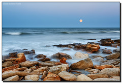 Super-Moonrise (Fraggle Red) Tags: ocean longexposure sunset moon water rock evening rocks florida moonrise canonef1740mmf4lusm marineland hightide coquina singleexposure palmcoast washingtonoaksstatepark flaglerco supermoon adobelightroom41rc