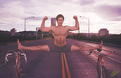 Splits Bridge (WOLF CHOIR) Tags: bicycle portland mercury schwinn flex dex hairychest thesplits burnsidebridge