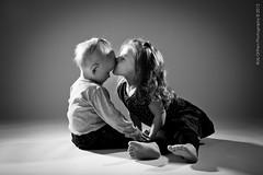 049-Lapsikuvia-6kk (Rob Orthen) Tags: studio childphotography offcameraflash strobist roborthenphotography lapsikuvaus