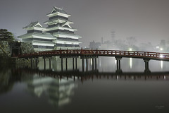 Japan - Matsumoto castle (sadaiche (Peter Franc)) Tags: castle japan japanese samurai matsumoto redbridge matsumotocastle