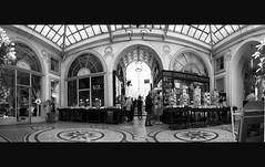 Galerie Vivienne, Paris (Samuel ASSELIN) Tags: blackandwhite panorama paris noiretblanc pentax nb photomerge galerievivienne passagevivienne pentaxart tamron1024 samuelasselin pentaxk5