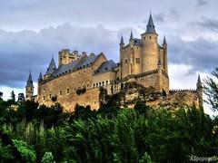 Alcazar de Segovia (ASpepeguti) Tags: espaa spain segovia castillaylen alcazardesegovia olympusmju400 aspepeguti photomatixpro42 satorgettymomentos