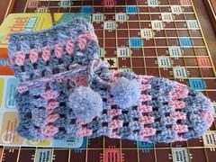 Crochet Slippers (Hesterb) Tags: handmade pompoms crochetslippers
