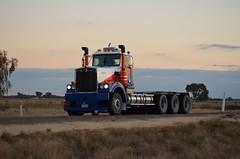 Kenworth C509 (quarterdeck888) Tags: nikon flickr tipper transport frosty lorry trucks kenworth tractortrailer haulage quarterdeck newellhighway c509 semitrailers bdouble tridrive highwaytrucks australiantrucks d5100 jerilderietrucks