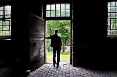 Ich bin dann mal eine Zeitlang weg... (GelsenBuer) Tags: door light contrast licht kontrast ich impression tr reiner i gelsenbuer
