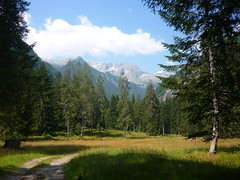 To the Misty Mountains! (SixthIllusion) Tags: italy mountains nature trekking middleearth