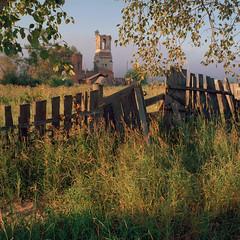 Temnovka (Anton Novoselov) Tags: morning tlr film church field rolleiflex sunrise fence landscape village kodak russia outdoor medium format russian 35 portra 160 e2 xenotar 4