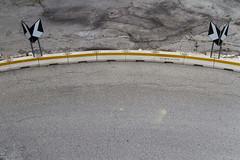 "la sottile linea gialla   #morrodalba #italy #clod #giornatedifotografia #sensi #enricoprada #canon #street #geometrie (claudio ""clod"" giuliani) Tags: italy canon clod sensi morrodalba giornatedifotografia"