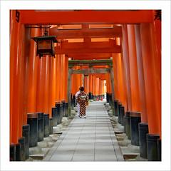 Les charmes de la tradition / Fushimi Inari - Kyoto (PtiteArvine) Tags: japan kyoto japon fushimiinari