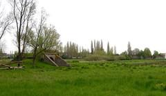 Komen, afgegraven spoorlijn (Ahrend01) Tags: viaduct brug leie sncf oprit spoorbrug nmbs komen comines restanten sncb spoorlijn onderdoorgang