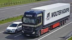 PZ 712JY (panmanstan) Tags: truck wagon mercedes transport lorry commercial mp4 actros