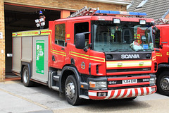 Humberside Fire & Rescue Service Scania 94D 260 Water Tender DH14P4 (PFB-999) Tags: rescue water station truck fire engine pump and leds service tender appliance scania grilles brigade unit 260 withernsea lightbar humberside wrt rotators 94d fendoffs hfrs yj54ehr