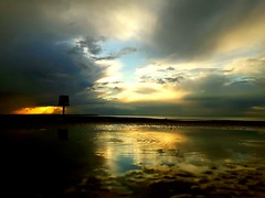 Moody view on West beach (saltburger) Tags: saltburger sunsetbeach westbeach whitstabubble whitstable