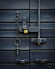 Secure (buddah1888) Tags: buddah1888 canon60d railway doors levers lock chain bolt rust toddington arty goodstrain