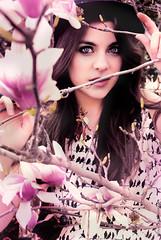 Primavera (NROmil) Tags: portrait flores flower primavera girl mujer eyes flickr chica natural retrato alma young ojos mirada belleza joven dulzura sencillez